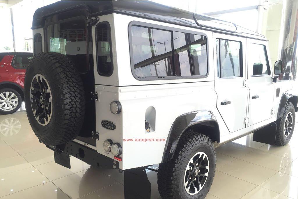 Land Rover Defender1