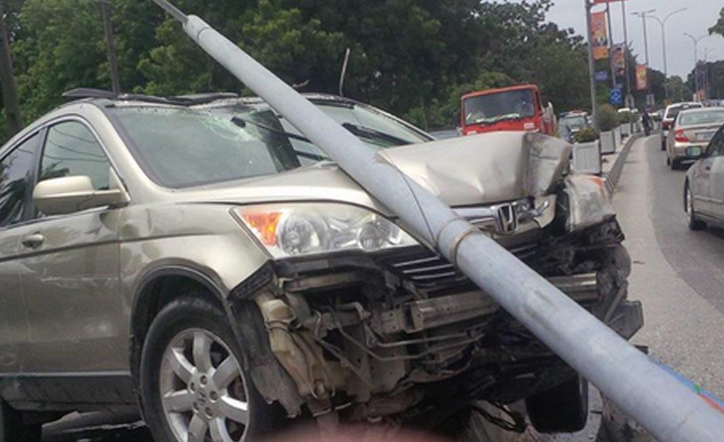 smashed windscreen 2