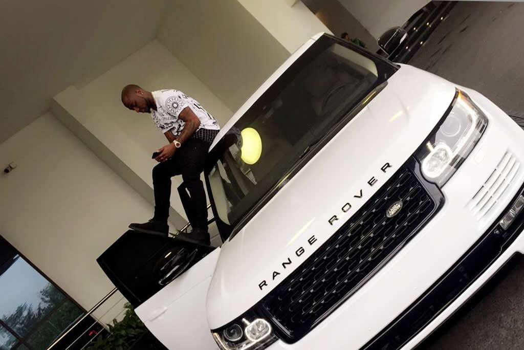 Davido-Buys-Range-Rover SUV
