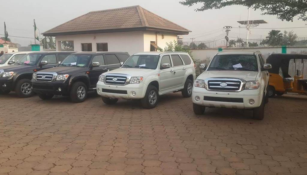 Ebonyi Governor gives Innoson SUVs