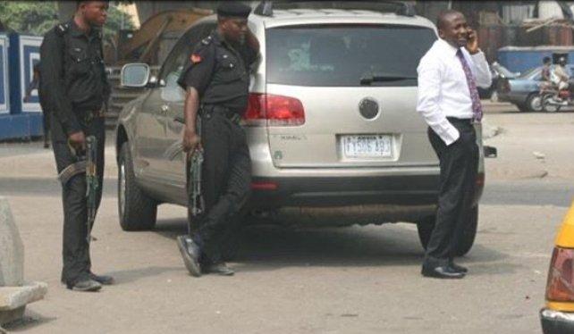 nigerian-police-bribe