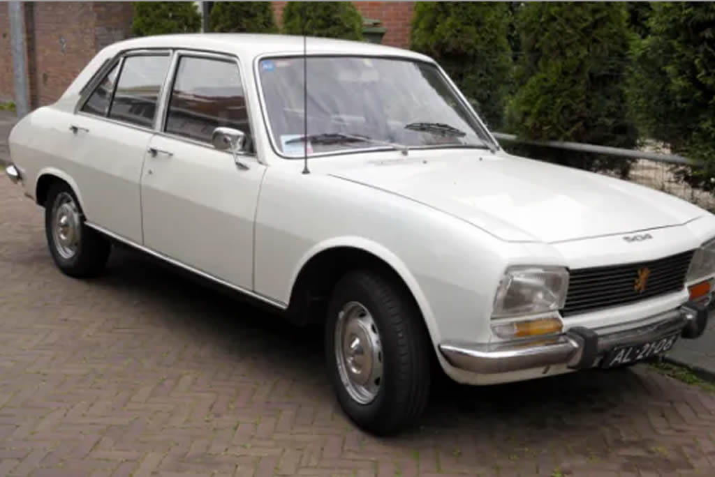 would you buy this 1982 peugeot 504 station wagon for ₦6million