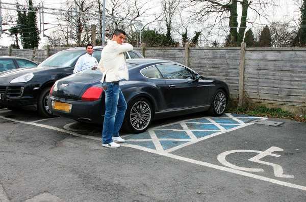 Cristiano-Ronaldo-Bentley-Continental-GT-Wallpaper-Pictures
