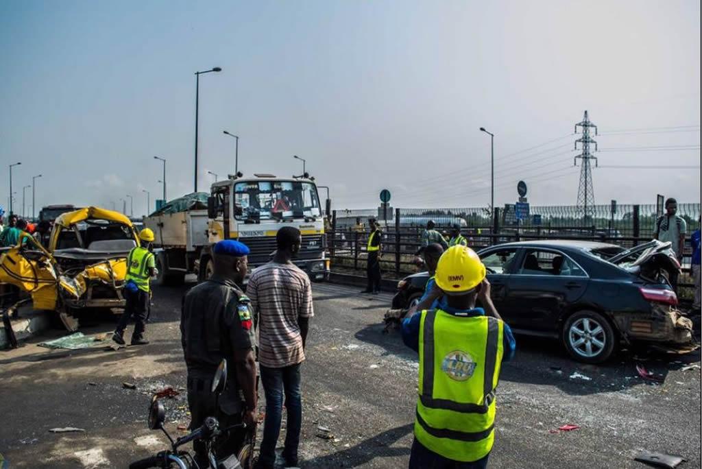 accident-at-itawolo-ikorodu-road