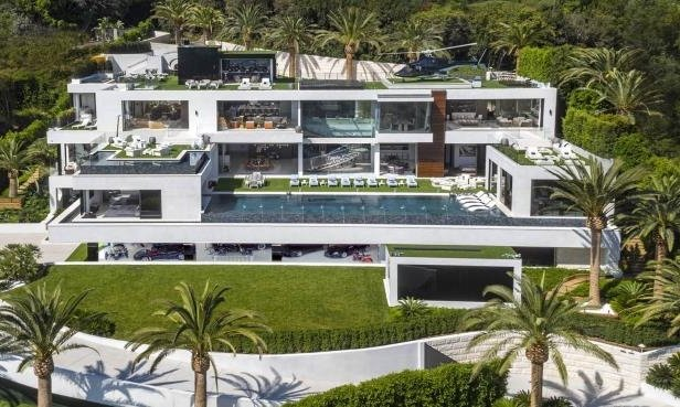 Check Out The Luxury Cars That Comes With The Most Expensive House