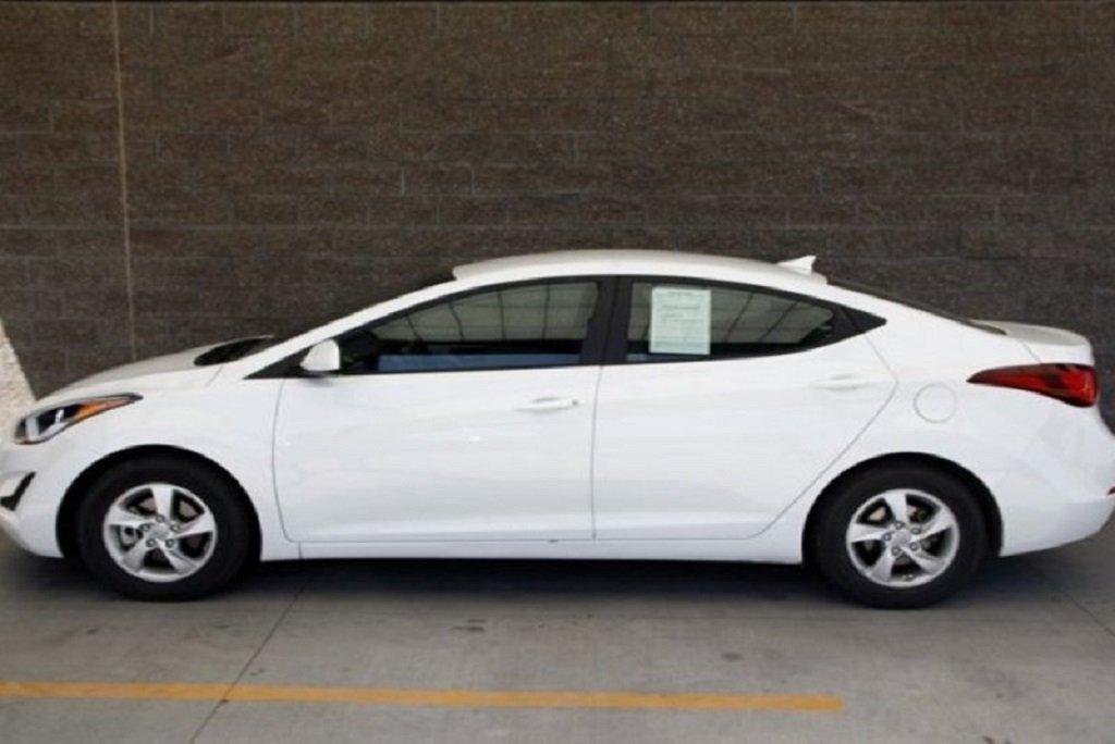 Hyundai-Elantra-2015 Car