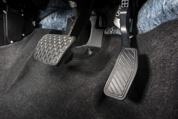 Quick Steps On How To Handle A Stuck Accelerator Pedal
