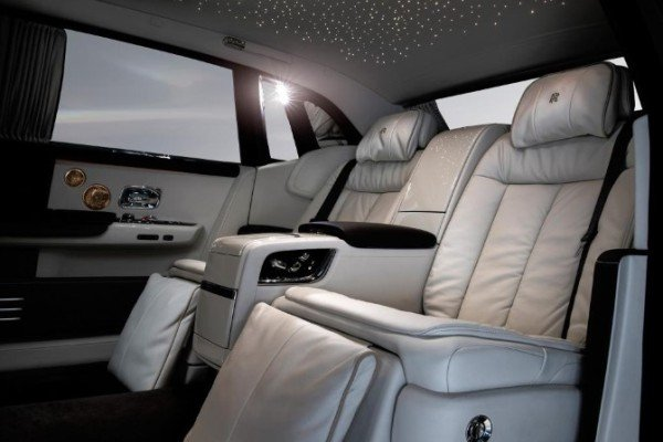 Whispered muse side rear seat