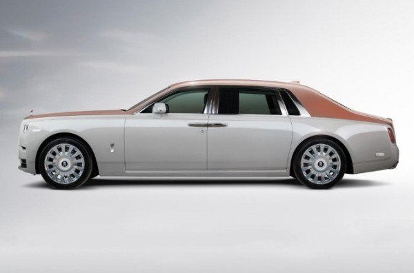 Rolls royce Whispered muse side