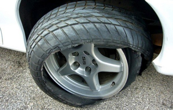 spoilt car tire