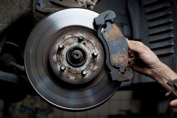 car-brake-pad-and-rotor