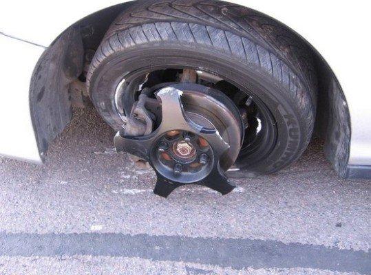 shattered-car-rim