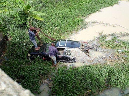 car fell into stream