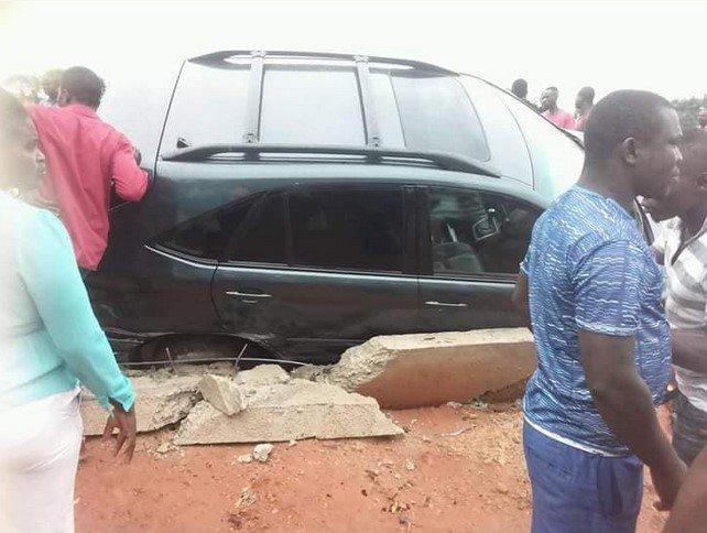 AUTO CRASH ACCIDENT