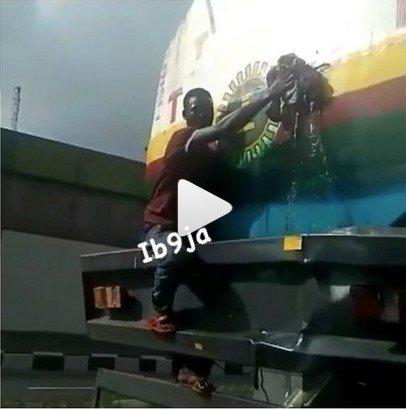 nnpc trailer leakage