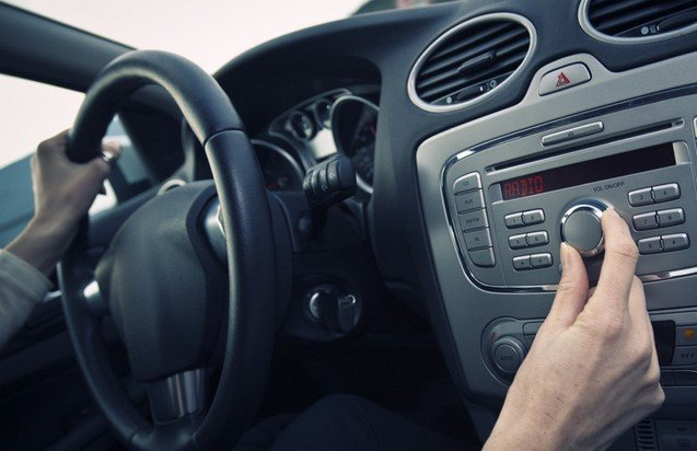 reducing the volume of the stereo in a car