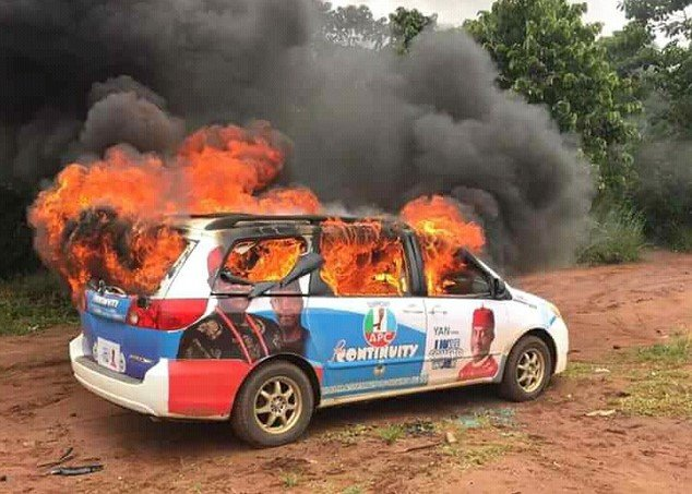 campaign vehicles set ablaze in imo state 2
