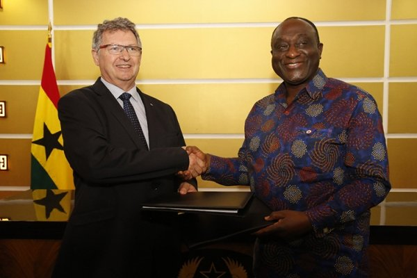 nissan signs MOU with Ghana