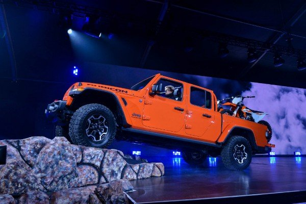 Official: Gorilla Glass Technology Finds Its Way Into Jeep Gladiator And Wrangler