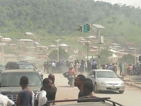 truck plunges into river in Kogi