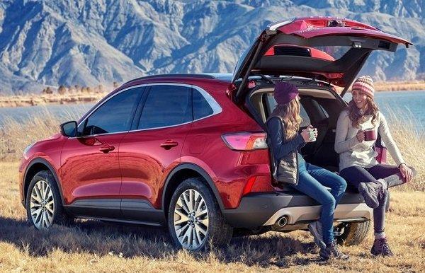 2020 ford escape trunk