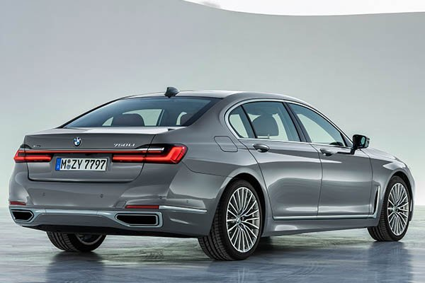 BMW Set To Discontinue The 7 Series V12 Engine Due To Strict Emission Laws