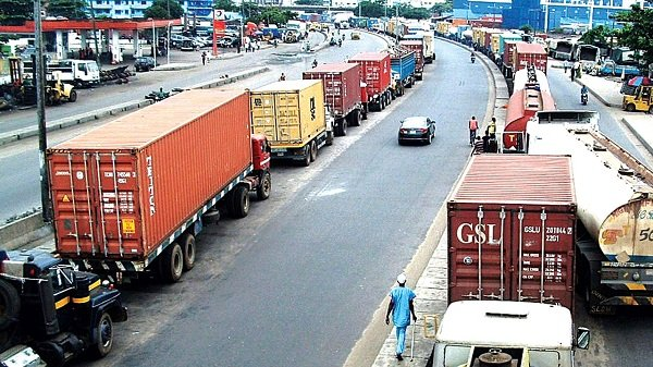 Lagos State Govt Hails Improvement In Apapa Traffic Gridlock, Charges Terminal Operators To Support Intervention - autojosh
