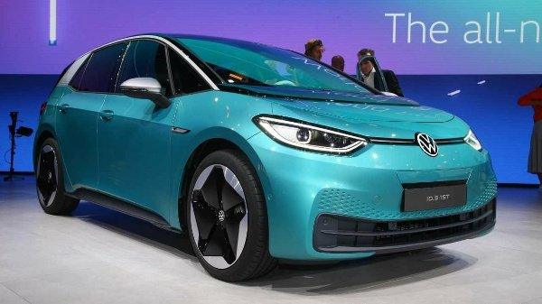 Report: One In Ten Cars Sold In Europe On November Was An EV