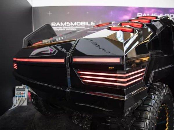 $1m-Ramsmobile-RM-X2-Bulletproof-Luxury-Tank-14