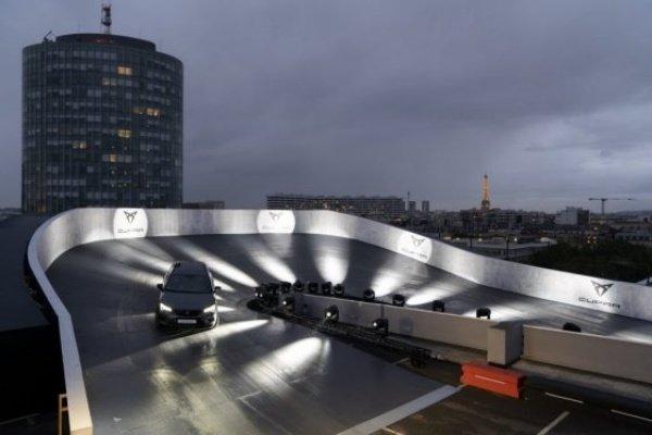 Cupra-Ateca-Rooftop-Racetrack-Paris-6