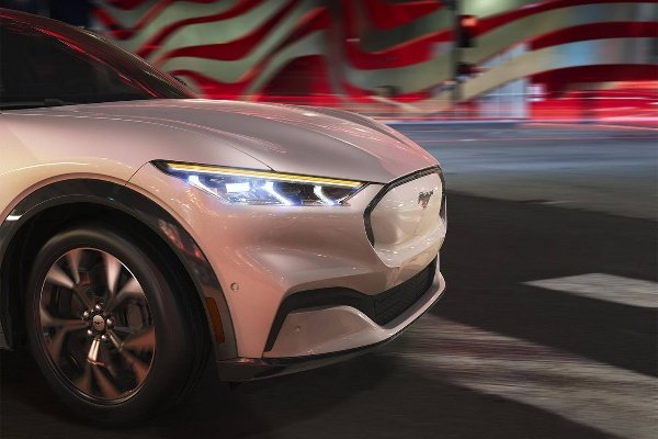 Mach-E-Electric-SUV