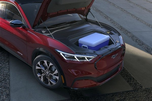 Ford-Mustang-Mach-E-Electric-SUV