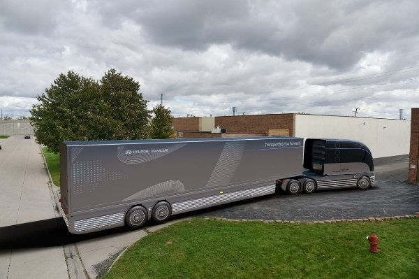 Hyundai-Hydrogen-Powdered-HDC-6-Neptune-Truck