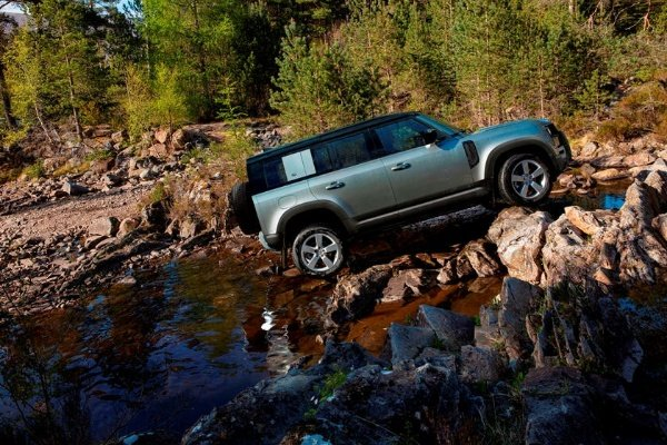 Jaguar-Land-Rover-Defender