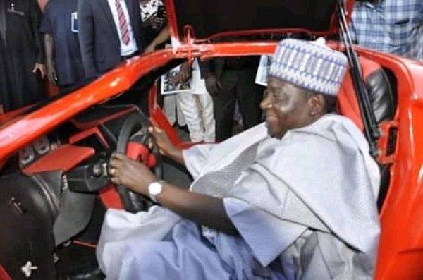 Nigerian-Unveils-Carbon-Fibre-Bennie-Purrie-Sports-Car-2