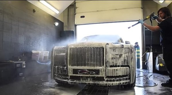 Rolls-Royce-Auto-Detailing-Service