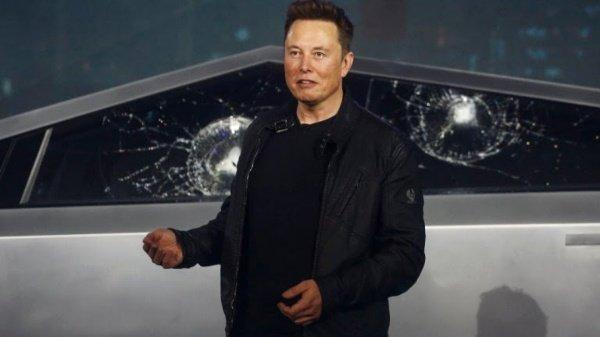 Elon-Musks-Net-Worth-Cybertruck-Pickup-Truck-Armoured-Unbreakable-Windows-Shatters