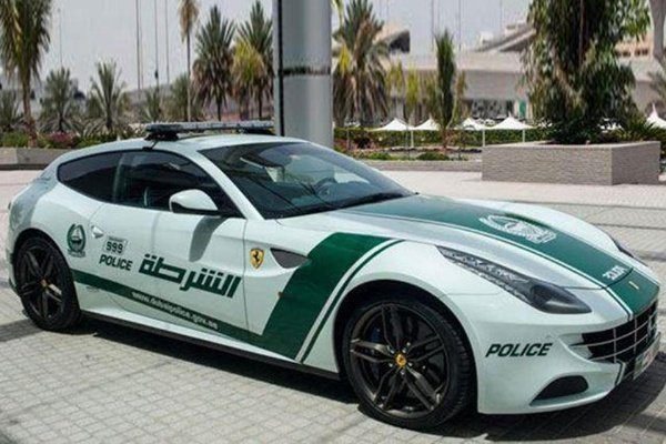 dubai-police-Cybertruck