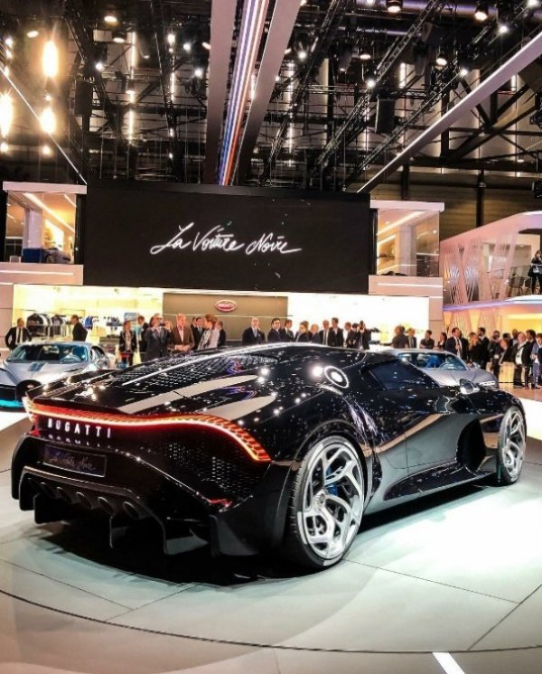One-off-La-Voiture-Noire-Cars-unveiled-In-2019