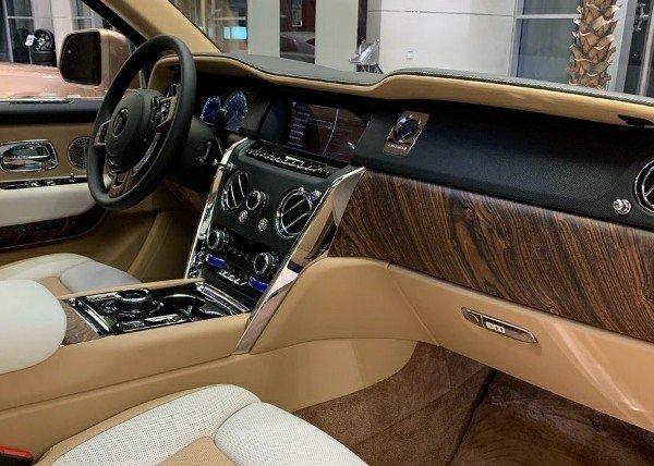 Rolls-royce-cullinan-versus-Mercedes-Maybach-GLS-600