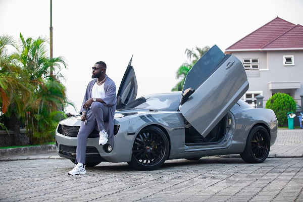 Yomi Casual Shows Off His New Pimped Chevrolet Camaro