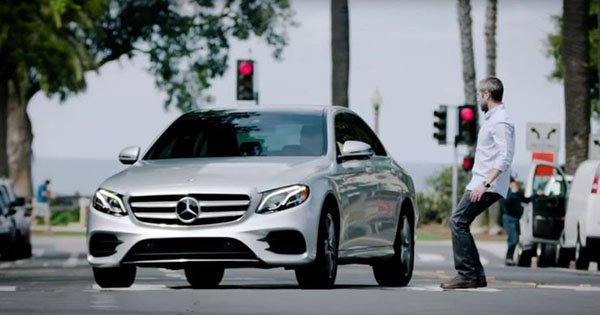 10 amazing car features
