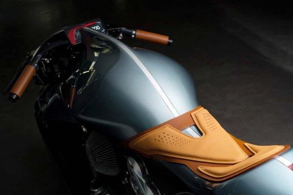AMB-001-Aston-Martin-Brough-Superior-4