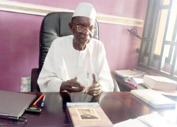 Meet Nigerian Professor Who Drove Peugeot 504 From London To Kano In 24 days