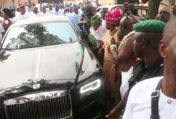kwam-1-may-lose-mayegun-months-after-buying-₦200m-rolls-royce-ghost-to-celebrate-title
