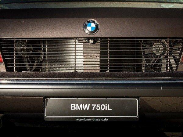 bmw-7-series-e32-v-16-goldfisch-autojosh
