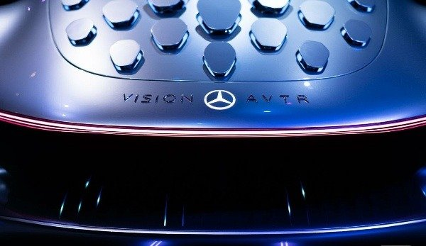 mercedes-benz-avatar-inspired-vision-AVTR-electric-car