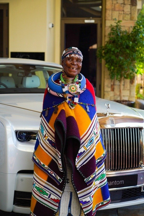 Meet 85-Year-Old South African Grandma Who Paint Body And Interior Cars For A Living - autojosh
