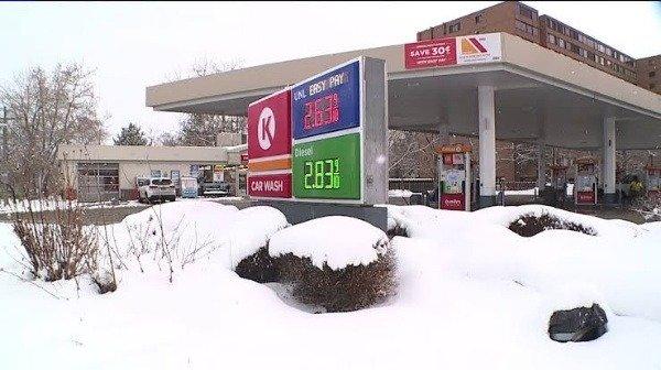 filling-station-diesel-in-petrol-car