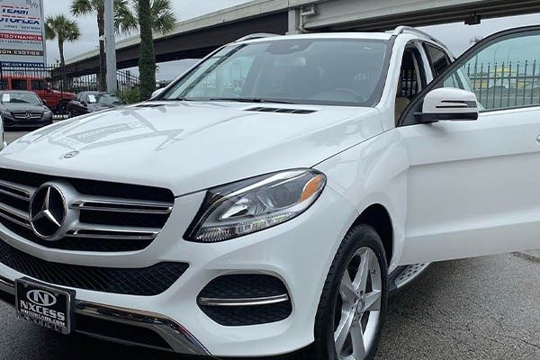 Beautician Grety Riverson Buys Mom A Benz GLE As Valentine's Gift
